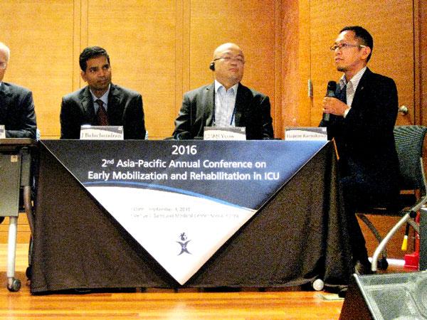 チームコラボレーションに関する講演に加え、パネルディスカッションの議長を務めた 曷川 元 氏